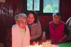 Cụ ông già nhất thế giới qua đời vì té gãy xương