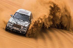 SUV siêu sang Rolls-Royce Cullinan 'quẩy' tại đồi cát Trung Đông
