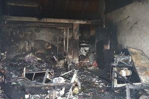 Cháy cửa hàng điện lạnh lúc nửa đêm, 3 mẹ con tử vong