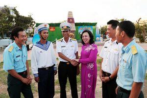 Đoàn công tác TP Hà Nội trên quần đảo Trường Sa