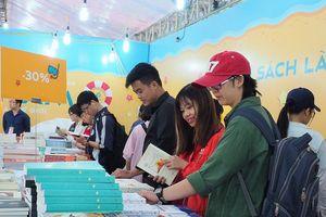 Top 10 cuốn sách bán chạy nhất Hội sách chào mừng Ngày sách Việt Nam
