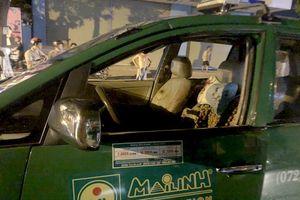 Truy bắt nhóm côn đồ chặn taxi chém hành khách, bắn tài xế bị thương