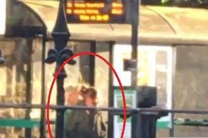 Choáng váng khi chứng kiến cặp đôi 'mây mưa' ngay trạm xe buýt