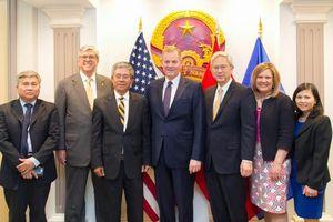 Đại sứ Phạm Quang Vinh tiếp đoàn đại diện cấp cao Đạo Mormon