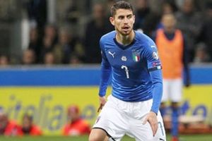 Mourinho nhắm sao Napoli bổ sung hàng tiền vệ