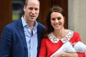 London rực sáng 'ăn mừng' Tiểu Hoàng tử chào đời