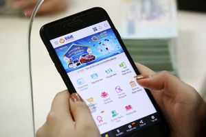 Thị trường thương mại điện tử: Doanh nghiệp Việt gặp khó