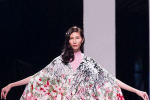 Tuần lễ thời trang Quốc tế Việt Nam Xuân Hè 2018: Ấn tượng từ các NTK Isarel