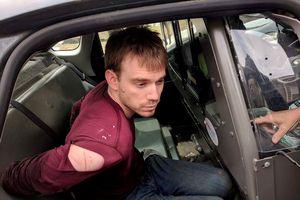 Kẻ xả súng không mặc quần bị bắt sau 36 giờ bị truy nã