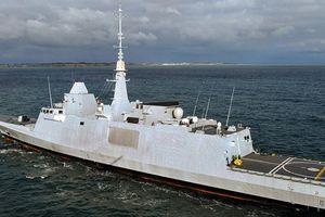 Máy bay Nga áp sát tàu Pháp vài ngày trước không kích Syria