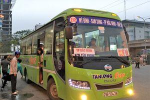 Buýt trợ giá đi ngoại thành Hà Nội dần hút khách