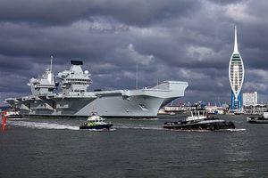 Tàu sân bay lớn nhất của Hải quân Anh lại ra khơi trong nghi kỵ