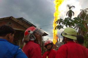 Hỏa hoạn tại giếng dầu tỉnh Aceh, Indonesia khiến hàng chục người thương vong