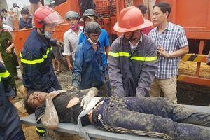Sập giàn bê tông xây dựng cây xăng khiến 7 người bị thương