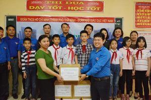 Tặng 1000 bản sách cho trường học của Thái Bình