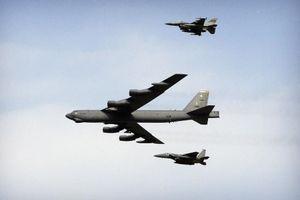 2 máy bay ném bom B-52 Mỹ bay qua Biển Đông, tiến gần Trung Quốc