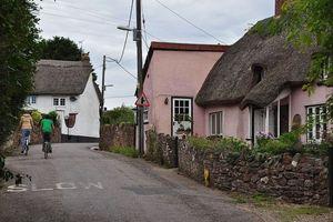 Đằng sau hiện tượng bí ẩn ngôi làng mỗi năm cao thêm 2cm