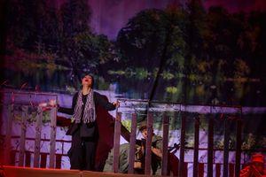 Trịnh Kim Chi sung sướng giành 6 giải thưởng tại Liên hoan Kịch nói
