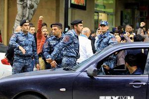 Tổng thống Armenia gặp thủ lĩnh biểu tình tìm giải pháp khủng hoảng