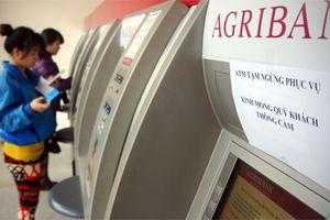 Đã khóa tài khoản, tại sao khách hàng Agribank vẫn mất tiền?