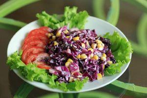 Giảm 10 cm vòng eo trong 1 tuần với salad rau quả