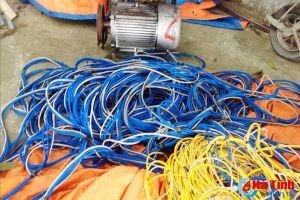 Liên tiếp bắt tàu cá dùng kích điện công suất lớn khai thác hải sản trái phép