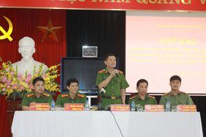 Khen thưởng các tập thể cá nhân trong khám phá 2 vụ trọng án tại Hà Nội