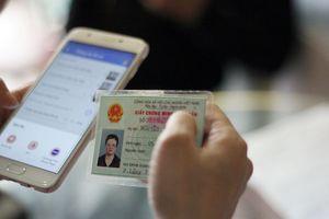 Vừa nộp ảnh, khách hàng vừa lo nhà mạng làm lộ thông tin cá nhân