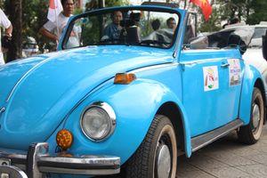 Dàn xe cổ Volkswagen diễu hành tại Festival Huế
