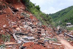 Sơn La: Sạt lở đất đá, 4 người đi làm nương thương vong
