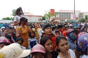 Nóng: Hàng trăm người dân Thanh Hóa vây kín tụ điểm nghi 'Hội thánh Đức Chúa Trời Mẹ'