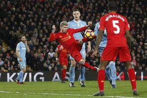 Liverpool - Stoke: Chủ nhà chiến thắng để nghĩ đến... Roma