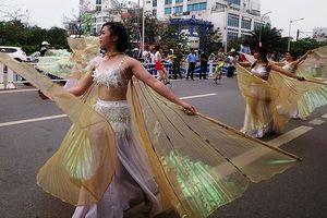 'Sắc màu văn hóa' trên đường phố Cố đô Huế