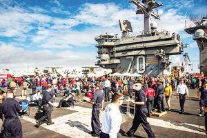 Tàu sân bay Mỹ thăm Ðà Nẵng: Dấu mốc 53 năm…