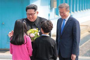 Những hình ảnh chạm tới trái tim người yêu hòa bình thế giới