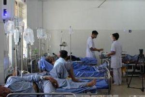 Phun thuốc diệt cỏ, 78 người ngộ độc nhập viện ở Sơn La