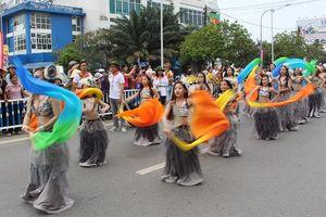 Quảng diễn đường phố 'khuấy động' người dân, du khách dịp Festival Huế