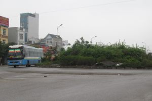 Mất an toàn giao thông tại vòng xuyến cầu vượt An Khánh