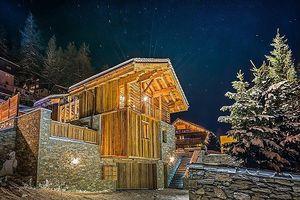 Chiêm ngưỡng ngôi nhà gỗ trượt tuyết siêu xa xỉ trị giá 260 tỷ đồng