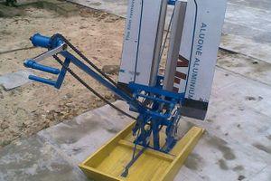 Lão nông Huế chế tạo máy cấy lúa không động cơ