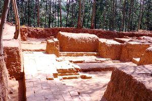 Khai quật phế tích tháp cổ Chà Rây có niên đại từ thế kỷ XI đến XII