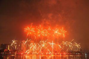 Ba Lan và Việt Nam khai màn Lễ hội pháo hoa quốc tế