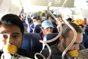 Bức ảnh trong vụ tai nạn máy bay khiến nhiều người ngao ngán