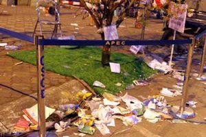 Đường phố Đà Nẵng 'nhếch nhác', ngập tràn rác thải sau Lễ hội pháo hoa