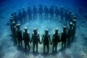 Khám phá bảo tàng dưới nước đầu tiên ở châu Âu
