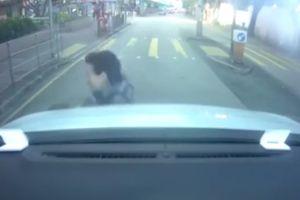 'Nữ quái' chấn thương cổ vì tự cắm đầu vào ôtô ăn vạ