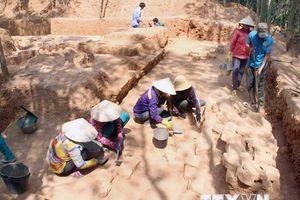 Bình Định: Phát hiện nền móng tháp Chăm khoảng 1.000 năm tuổi