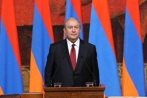 Armenia trở lại quỹ đạo Nga, Cách mạng Nhung lại hành động?