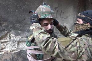 Phe nổi dậy đầu hàng SAA, IS phô trương sự tàn độc