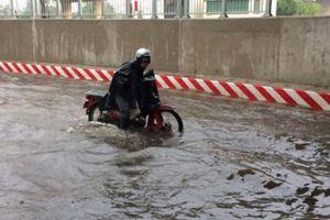 TP.HCM: Nguyên nhân không ngờ khiến hầm chui vừa thông xe 10 ngày đã thành 'sông'